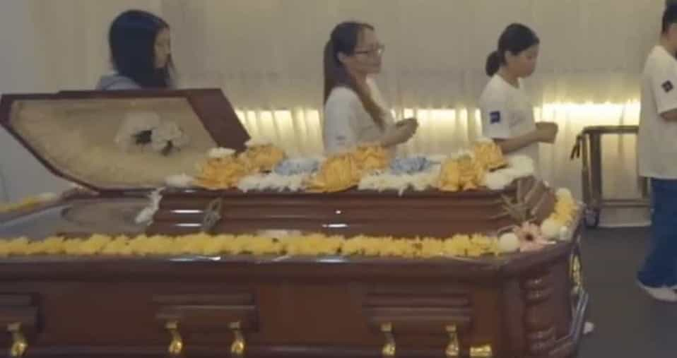 Mourning Buddhist Funeral Services Singapore